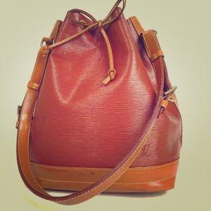 LV Noe 2 tone epi leather